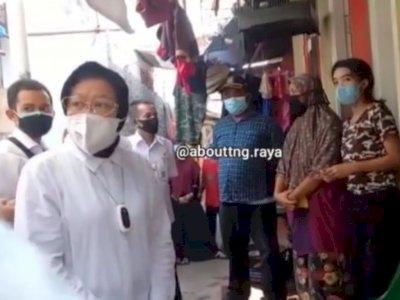 Mensos Risma Diam-diam Sidak Penyaluran BST di Tangerang, Geram Temukan Ada yang Ditilep
