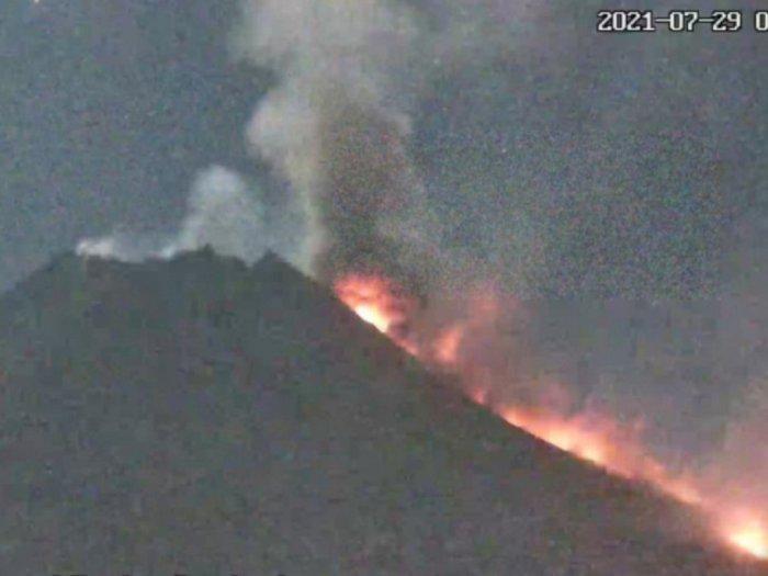 Status Siaga, Gunung Merapi Kembali Luncurkan Awan Panas Guguran Sejauh 2,5 km