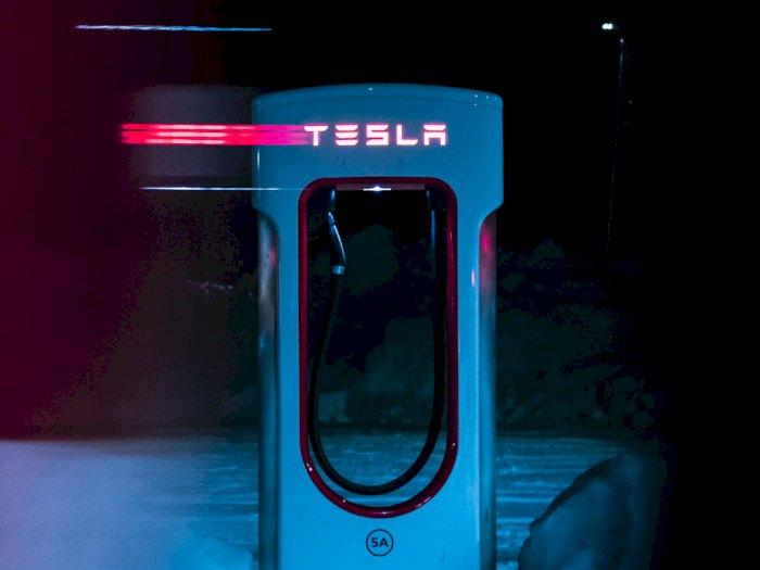 Tak Eksklusif Lagi, Semua Mobil Listrik Bakal Bisa Pakai Stasiun Pengecasan Tesla