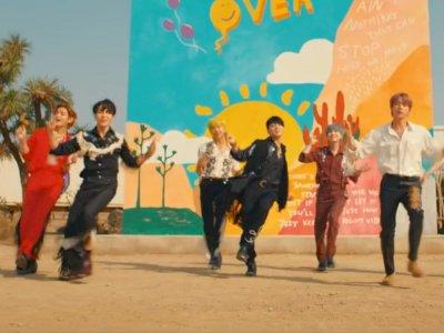 Single 'Permission To Dance' BTS Raih Trofi Keenam