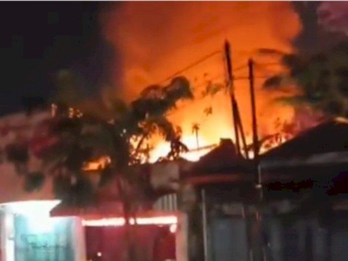 Kebakaran Hanguskan Pakan Ternak di Brebes, Lima Damkar Dikerahkan Jinakkan Api