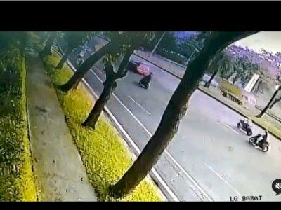 Viral Kecelakaan Moge Tabrak Ibu Muda di Bintaro, Begini Kronologinya