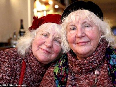 Dijuluki PSK Tertua, Saudara Kembar ini Akui Sudah  Layani 335 ribu Pria