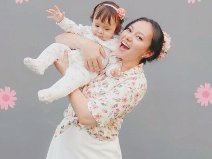 Aksi Baby Chloe Anak Asmirandah Mainin Bibir Bikin Netizen Ngakak, Lucu Banget