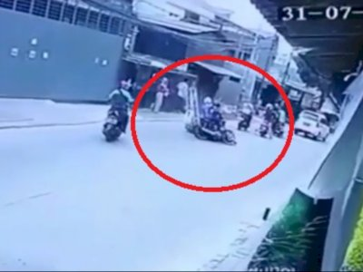 Viral! Motor Ninja Oleng Hajar Wanita Pejalan Kaki Hingga Tewas di Jakbar