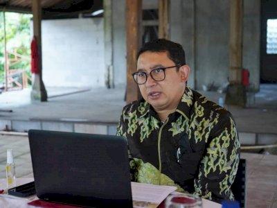 Sindir Jokowi dan Luhut, Fadli Zon: Jadi yang Mencla Mencle Siapa?