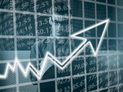 Ekonomi Indonesia Tumbuh 7,0%, Pimpinan DPR: Kabar Baik, Tapi Rakyat Bawah Masih Kesulitan