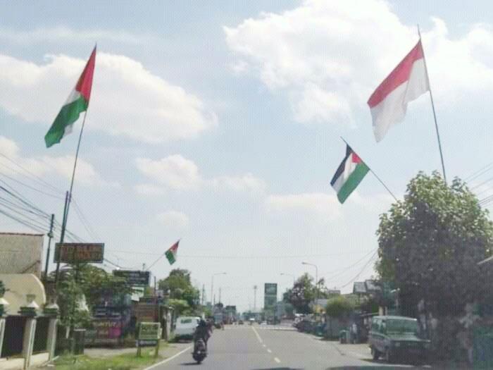 Viral! Jelang HUT RI, Sejumlah Warga di Jogja Malah Kibarkan Bendera Palestina