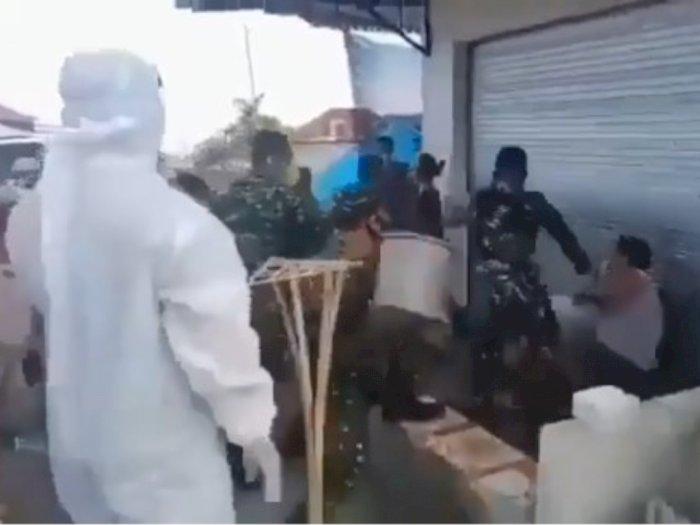 Viral, Anggota TNI Baku Hantam dengan Warga di Buleleng, Dipicu Kepala Dandim Dipukul OTK