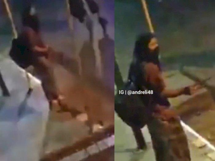 Heboh Pria Gondrong di Toraja Ngamuk di Pinggir Jalan, Todong Warga Pakai Senjata Tajam