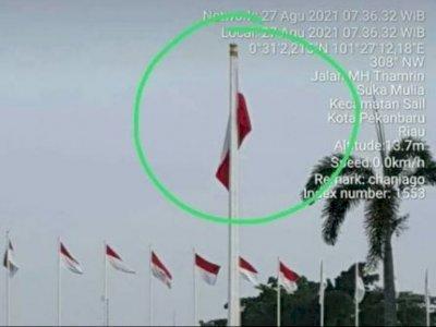 Tuai Kecaman Netizen, Pasang Bendera Merah Putih Terbalik di Rumah Dinas Gubernur Riau