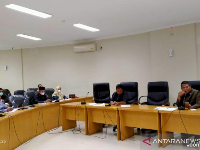 DPRD Kampar Kritik Bupati yang Kuasai 5 Mobil Dinas