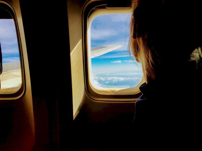 Pramugari Ini Beberkan Alasan Mengapa Harus Matikan HP saat Berada di Pesawat!