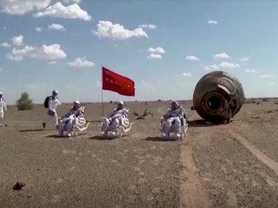 Setelah 90 hari di Luar Angkasa, Tiga Astronot China ini Kembali ke Bumi dengan Selamat