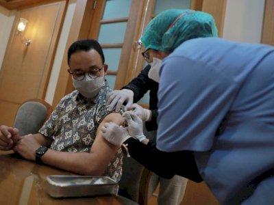 Suntik Vaksin Covid-19 Dosis Kedua AstraZeneca, Anies Baswedan: Alhamdulillah