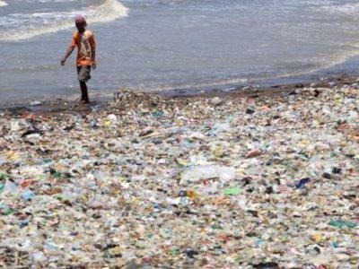 Plastik Pertama yang Dibuat Tahun 1907, Hingga Kini  Belum Terurai, Waduh!