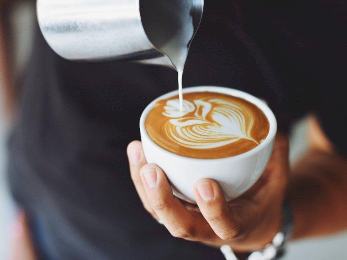 Amankah Minum Kopi Langsung Setelah Bangun Tidur Pagi Hari?