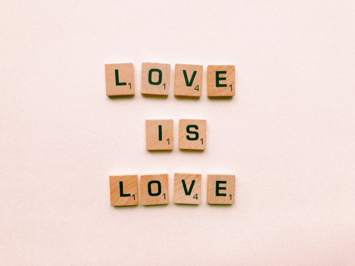 Berikut Bahasa Cinta yang Harus Kamu Tahu agar Awet dengan Pasangan!