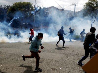 FOTO: Bentrokan Petani Koka dan Polisi di Bolivia
