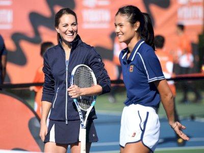 Kecantikan Emma Raducanu dan Kate Middleton saat Duet Main Tenis