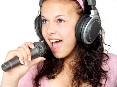 Hasilkan Suara Merdu dan Jelas, Begini Teknik Artikulasi yang Kamu Harus Tahu!