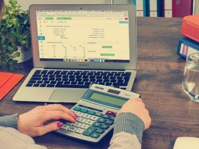Memudahkan Tapi Juga Merugikan, 1.500 Layanan Pinjaman Online Ilegal Ditutup OJK