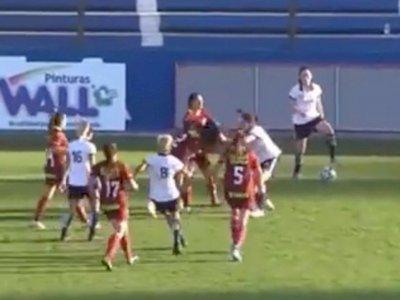 Detik-detik Pemain Liga Wanita Argentina Adu Jotos di Lapangan Gegara Pelanggaran, Kacau!