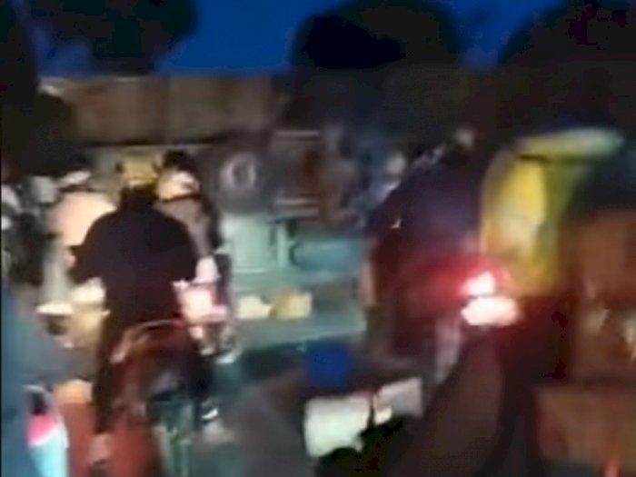 Truk Seruduk Warung dan Enam Kendaraan di Jalan Raya Sukabumi-Cianjur, 2 Orang Tewas