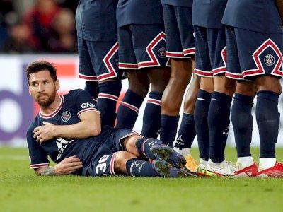 Dibiarkan Berbaring Saat Tendangan Bebas, Rio Ferdinand Anggap Messi Tak Dihargai