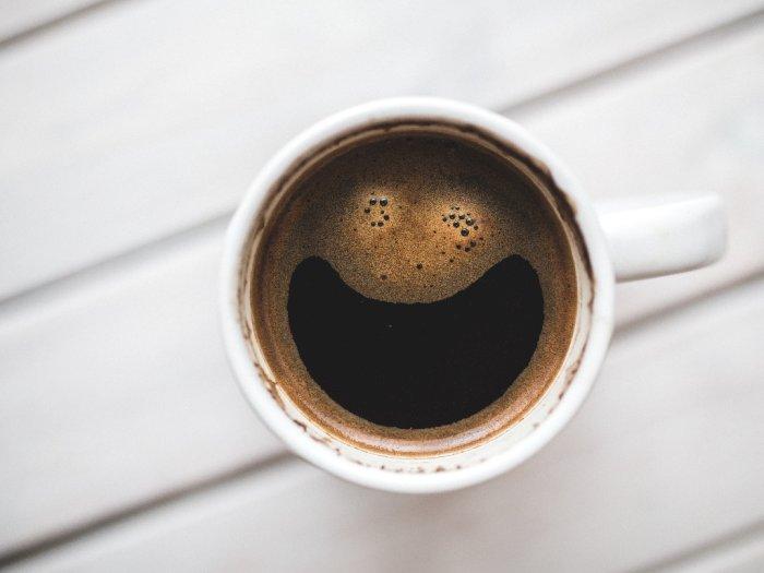 Mengonsumsi Zat Kafein dalam Jumlah Banyak Memberi Efek Negatif untuk Tubuh!
