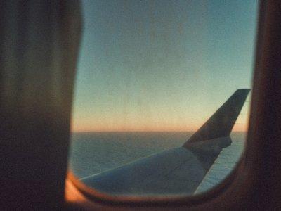 Ini Alasan Mengapa Semua Jendela Pesawat Berbentuk Oval!