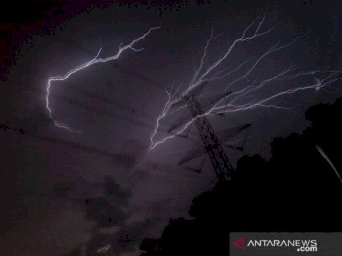Waspada! Cuaca Ekstrem Intai Wilayah Indonesia dalam 10 Hari ke Depan