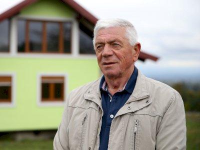 Unik, Pria 72 Tahun Ini Bangung Rumah Berputar Tahan Gempa untuk Istrinya