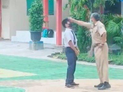Heboh Oknum Guru Pukul Kepala Murid Berkali-kali di Pekalongan, Videonya Viral