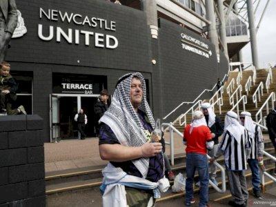 Newcastle Minta Suporternya untuk Kurangi Kenakan Pakaian Tradisional Arab