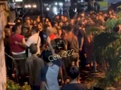 Viral Anggota TNI AU Dikeroyok Puluhan Warga di Helvetia Medan, Babak Belur Dilempari Batu