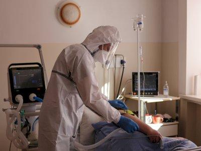 Aneh Tapi Nyata! Wanita Ini Terinfeksi Covid-19 Selama Hampir Satu Tahun