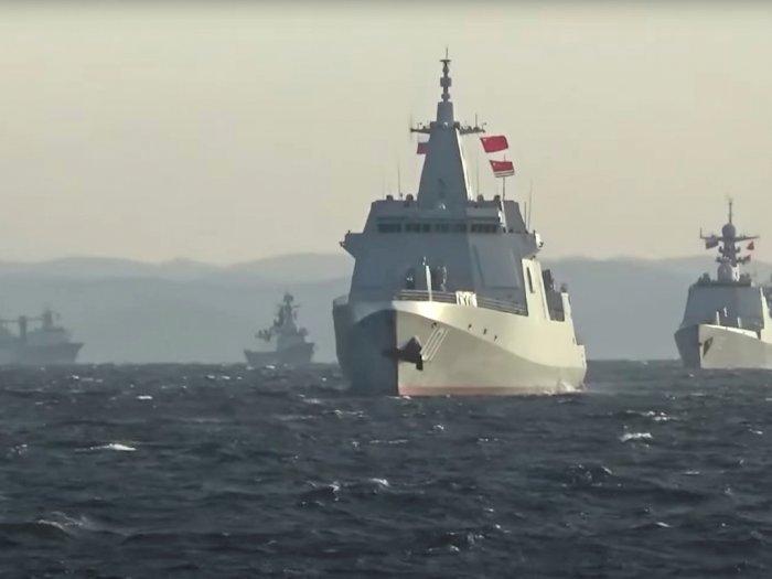 Untuk Pertama Kalinya, Kapal Perang China dan Rusia Patroli Bersama di Pasifik