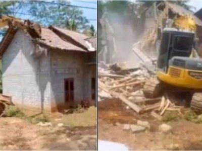 Video Pria di Trenggalek Hancurkan Rumah Pakai Bulldozer karena Sakit Hati