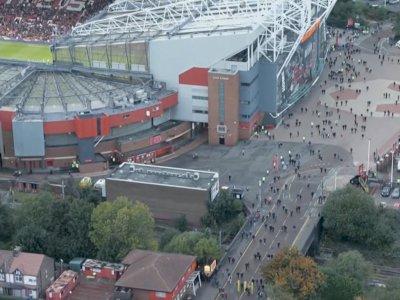 MU Kena 'Senggol' Liverpool, Ratusan Fans Tinggalkan Old Trafford Sebelum Laga Berakhir