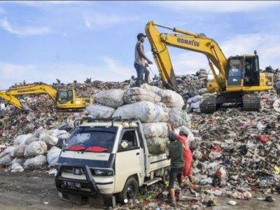 Perpanjang Kerja Sama, Pemprov DKI Beri Dana Rp379,5 Miliar untuk Kompensasi Bau Sampah