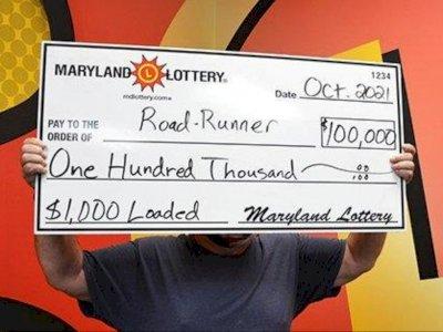 Beli Tiket Lotre saat Istirahat, Driver Ojol Ini Beruntung Menangkan Jackpot Rp1,4 Miliar