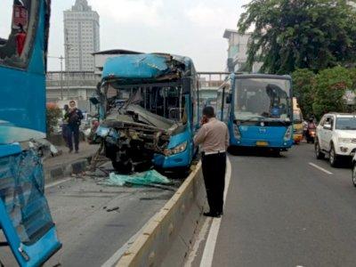 2 Orang Tewas, Polisi Usut Sebab Tabrakan Bus Transjakarta di Cawang dengan Alat 3D Laser