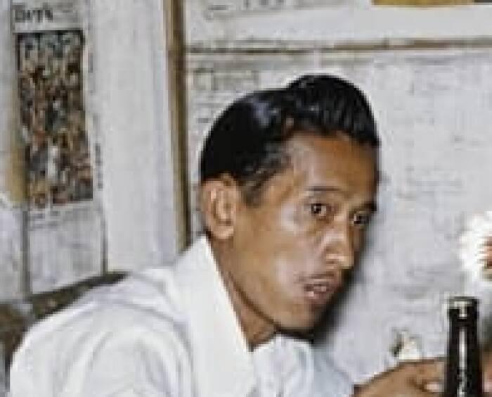 foto warung makan jaman dulu di yogyakarta