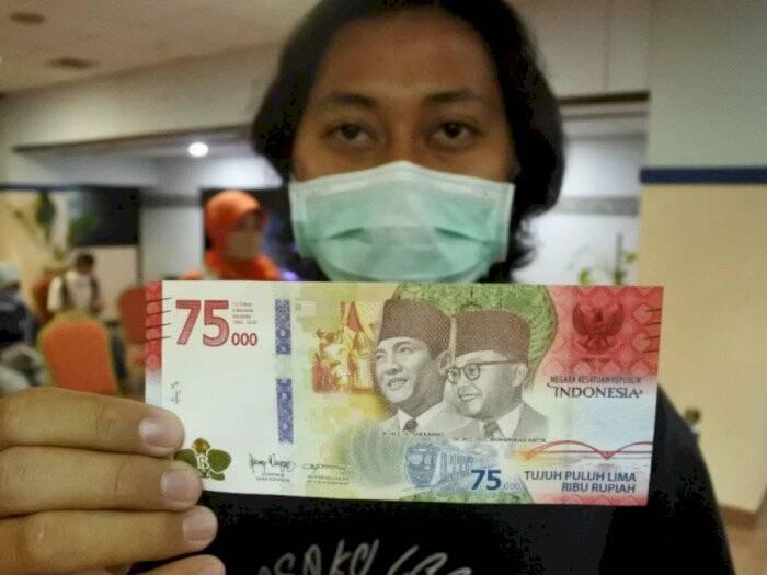 uang pecahan 75 ribu thr