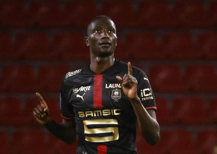 Serhou Guirassy dari Stade Rennes merayakan gol pertama mereka