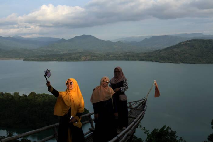 objek wisata alam Bukit Bollangi di Kabupaten Gowa
