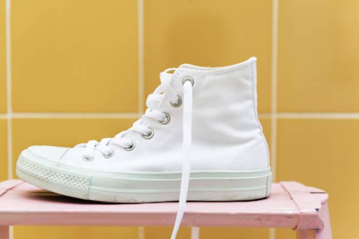 jenis sepatu yang harus wanita bertubuh mungil hindari