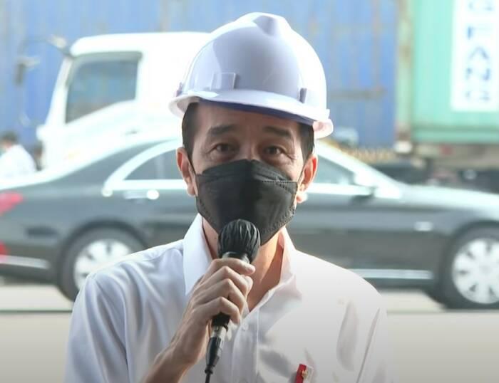 Presiden Jokowi saat berada di Pelabuhan Tanjung Priok. (Youtube)