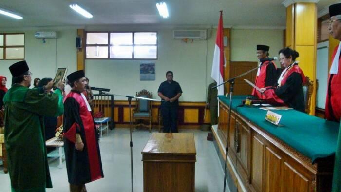 Muhammad Yusuf saat dilantik jadi Hakim Tinggi PT Kalsel. (Ist)